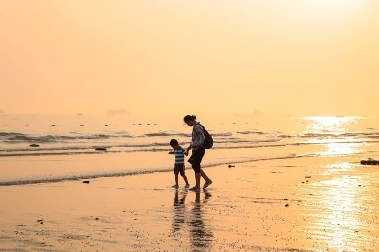טיול בחוף