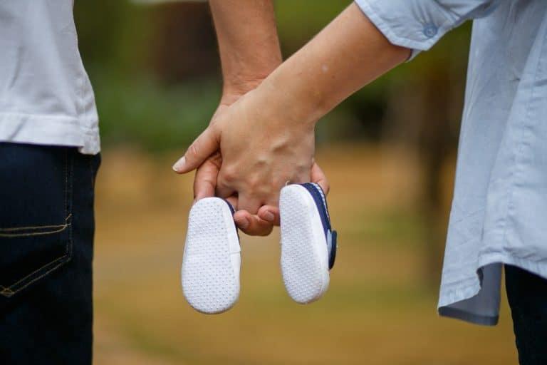 בחירת זוג נעליים
