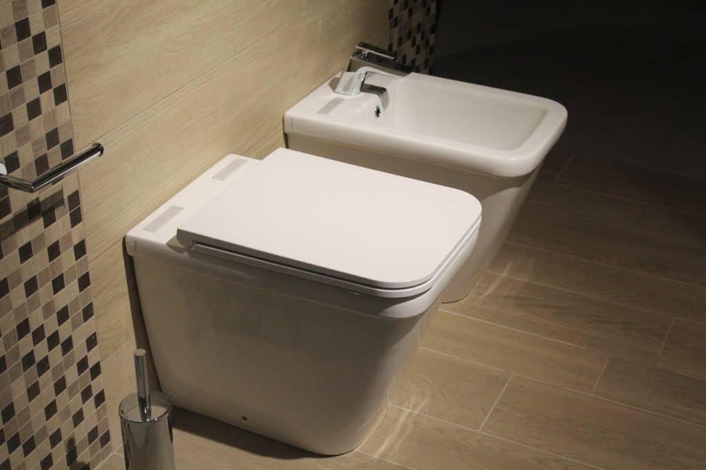 אסלה באמבטיה מודרנית